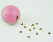 知育おもちゃプチトリートボールはネコちゃんや小さいペットも遊べる知育玩具です